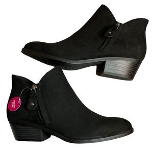 SO Angelfish Black Ankle Boots